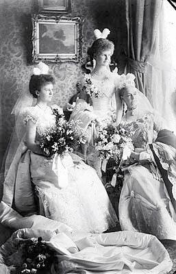 Débutantes'-Court Presentation of Ethel & Edith Dillon
