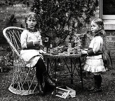 Edith & Ethel Dillon