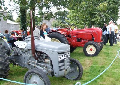 Monivea Fair Tractor